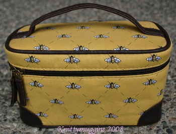 My new bee cosmetic case!